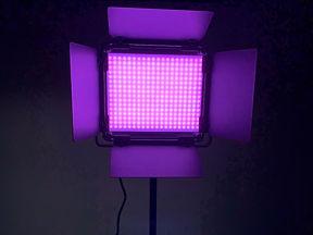 neewer-660-rgb-led-light--neewer-stand-7