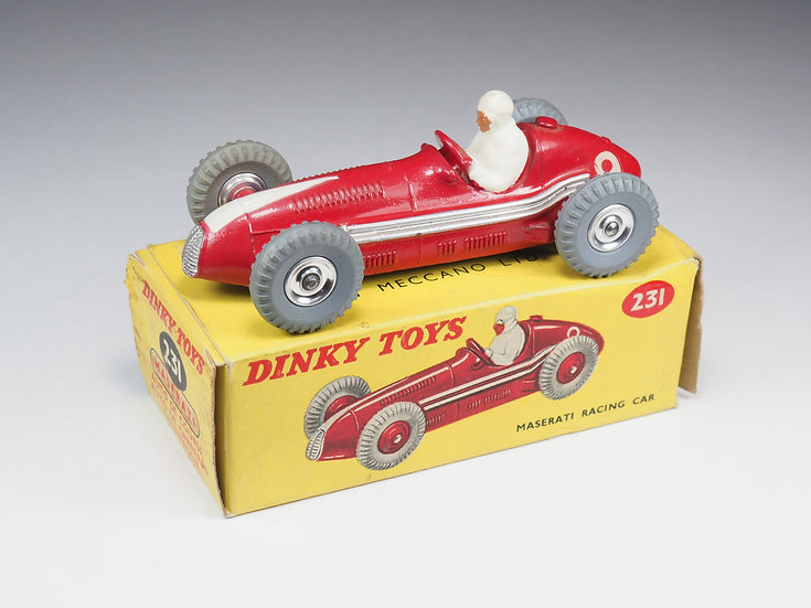 DINKY TOYS ENGLAND - 231 - MASERATI RACE CAR - CHROME SPUN HUBS
