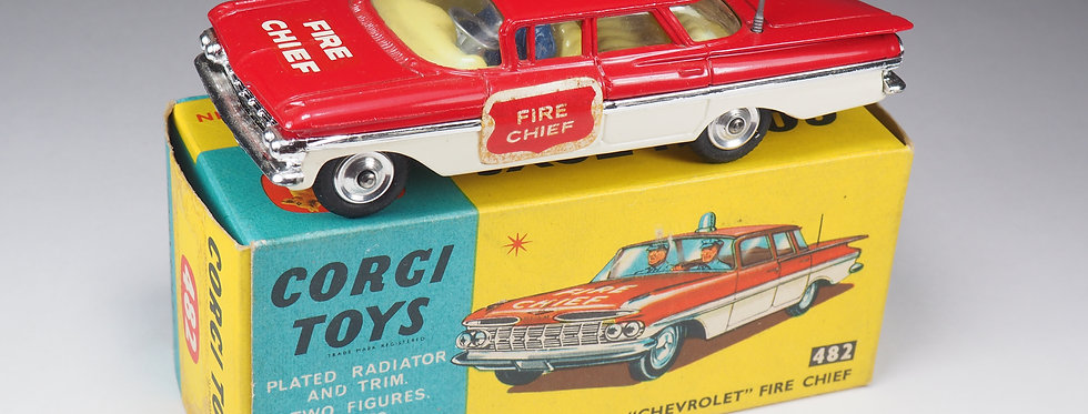 CORGI - 482 - CHEVROLET IMPALA FIRE CHIEF - SQUARED LABELS