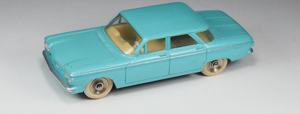DINKY TOYS FRANCE - 552 - Chevrolet Corvair