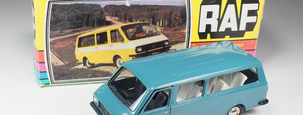 NOVOEXPORT - RAF 2203 Minibus - Bleu - En boite
