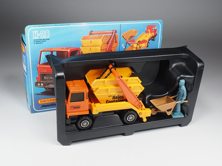 MATCHBOX SUPER KINGS - K28 - BEDFORD SKIP TRUCK