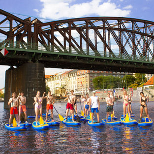 Scouts from Belgium paddling in Prague