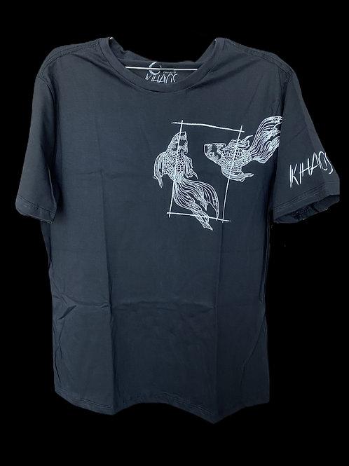 Série 1: camiseta preta peixes