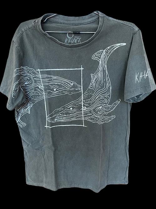 Série 1: camiseta cinza estonada baleias