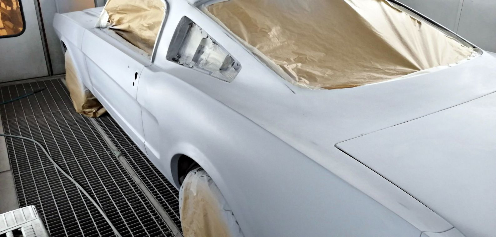 2eme couche d'apprêt - FORD Mustang Fastback