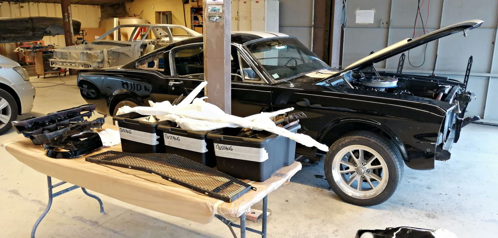 Démontage - FORD Mustang Fastback