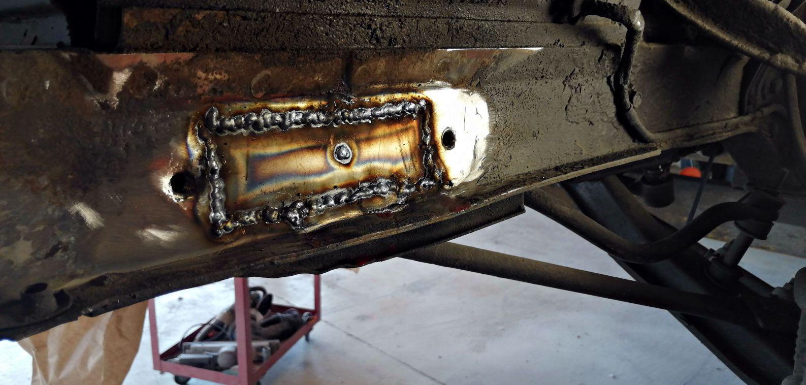 Réparation support de pare-choc avant droit - FORD Mustang Fastback
