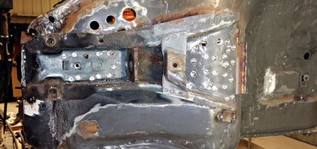 Réparation ancrage spoiler avant gauche - Projet transformation PORSCHE 911 en RSR