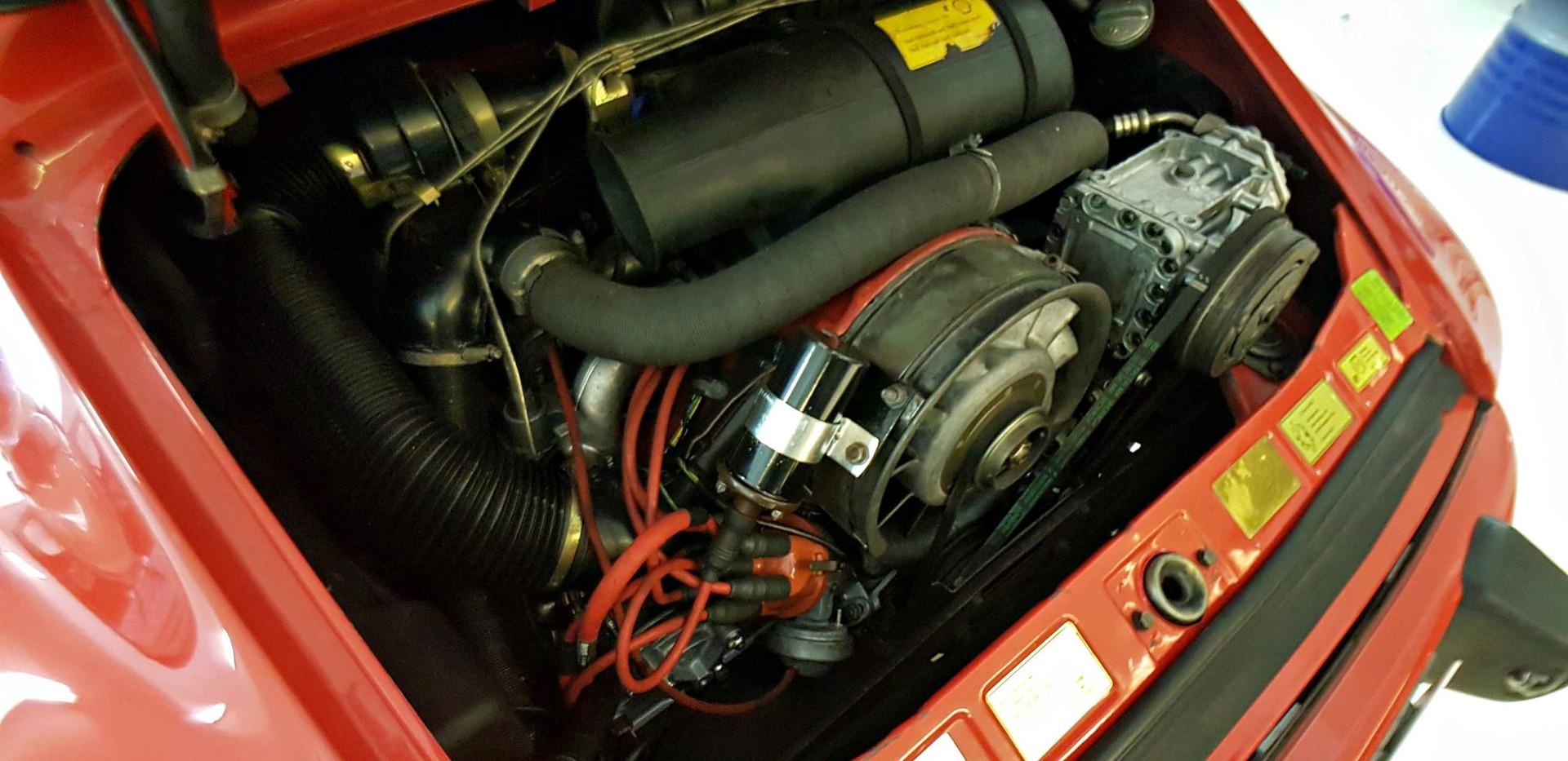 PORSCHE 911 SC 3.0L