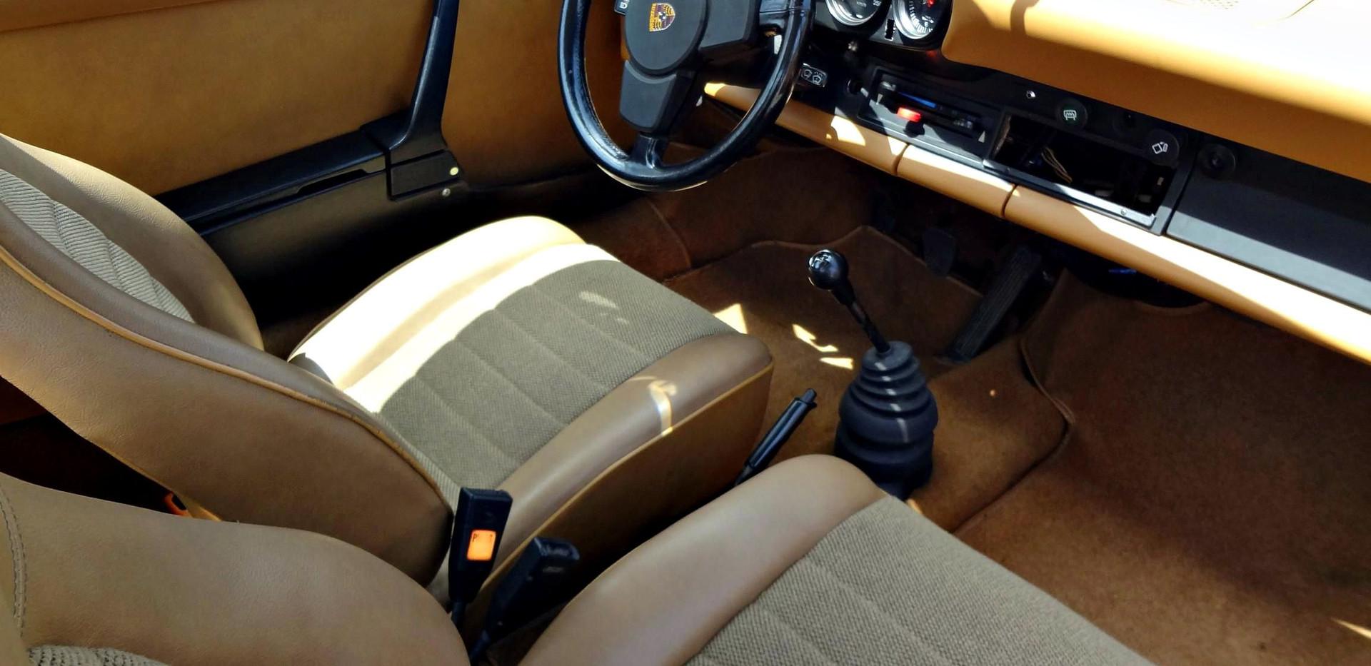 PORSCHE 911 2.7L