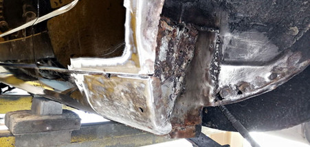 Réparation bas d'aile arrière gauche - FORD Mustang Fastback