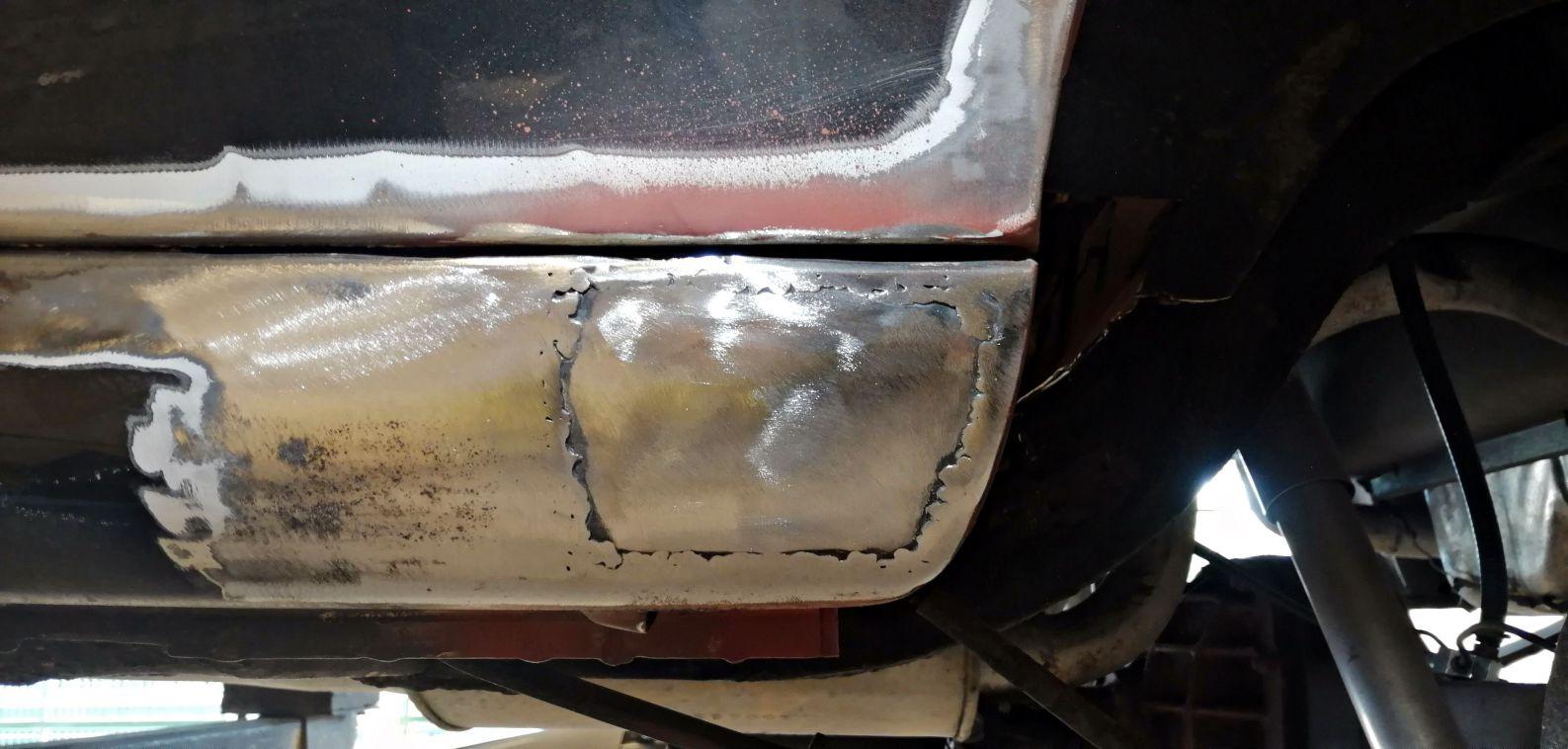Réfection bas de caisse gauche - FORD Mustang Fastback
