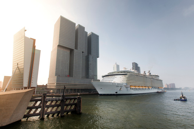 Rotterdam leads action on port emissions
