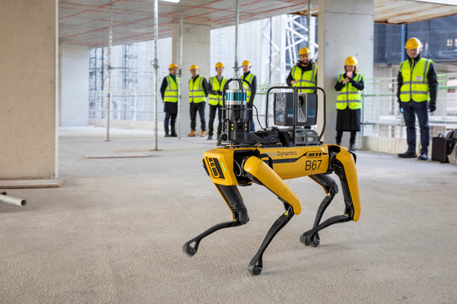 Foster + Partners tests robotic scanning for progress in construction