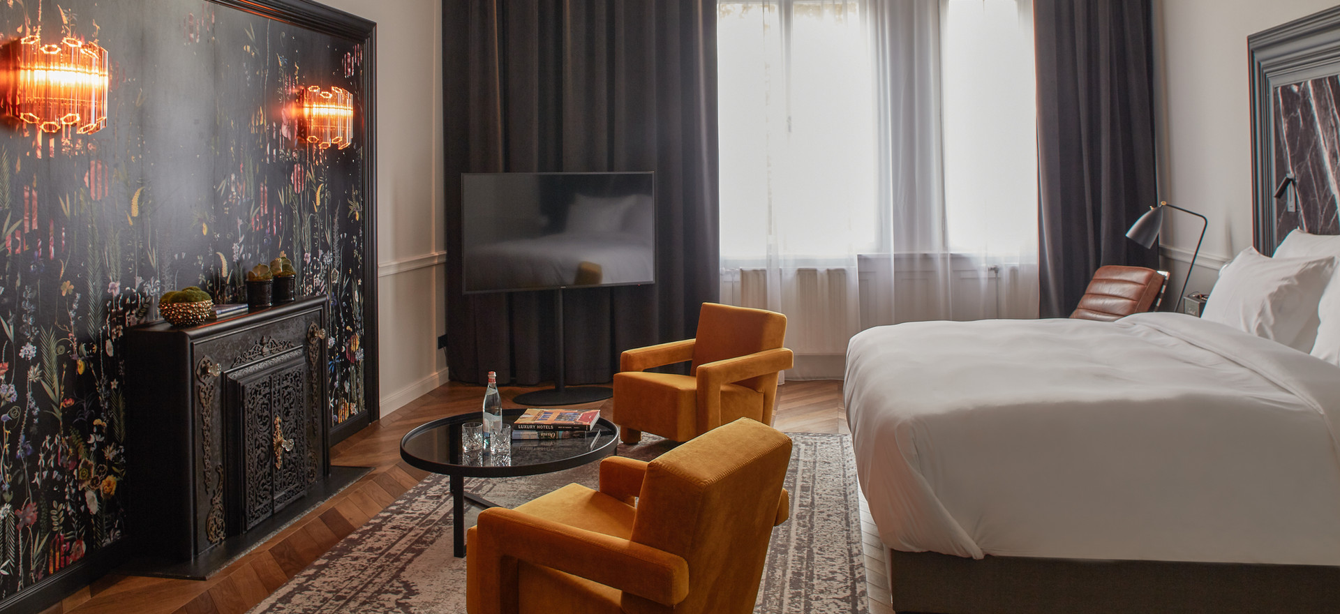 Deluxe Suite with Park View