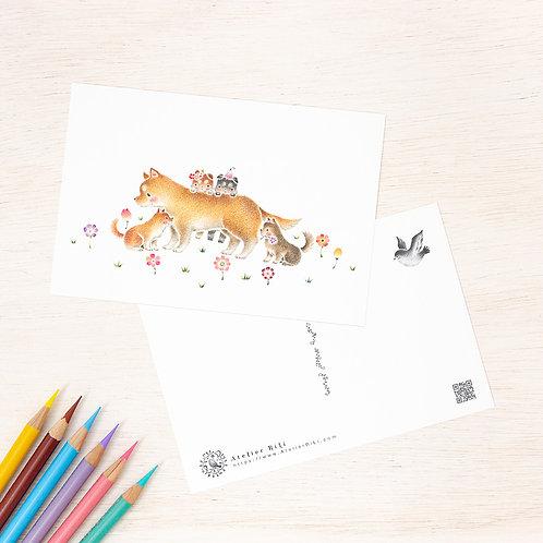 """ポストカード """"花咲く原っぱの親犬と子犬"""" PC-325"""