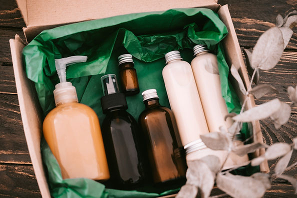 beauty-box-with-bottles-of-natural-cosme