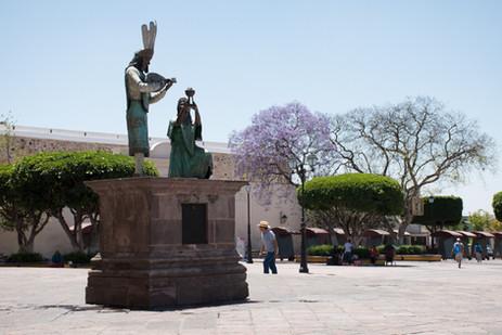 Estatua Templo de la Santa Cruz_Hotel Ma