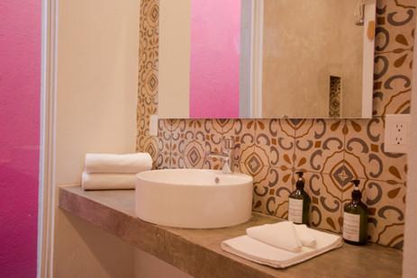 Hotel_Mama_Carlota_Baño_1.jpg