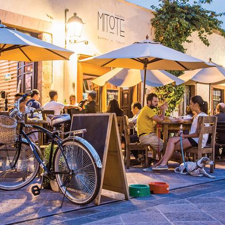 Plaza de los fundadores_Hotel Mama Carlota.jpg