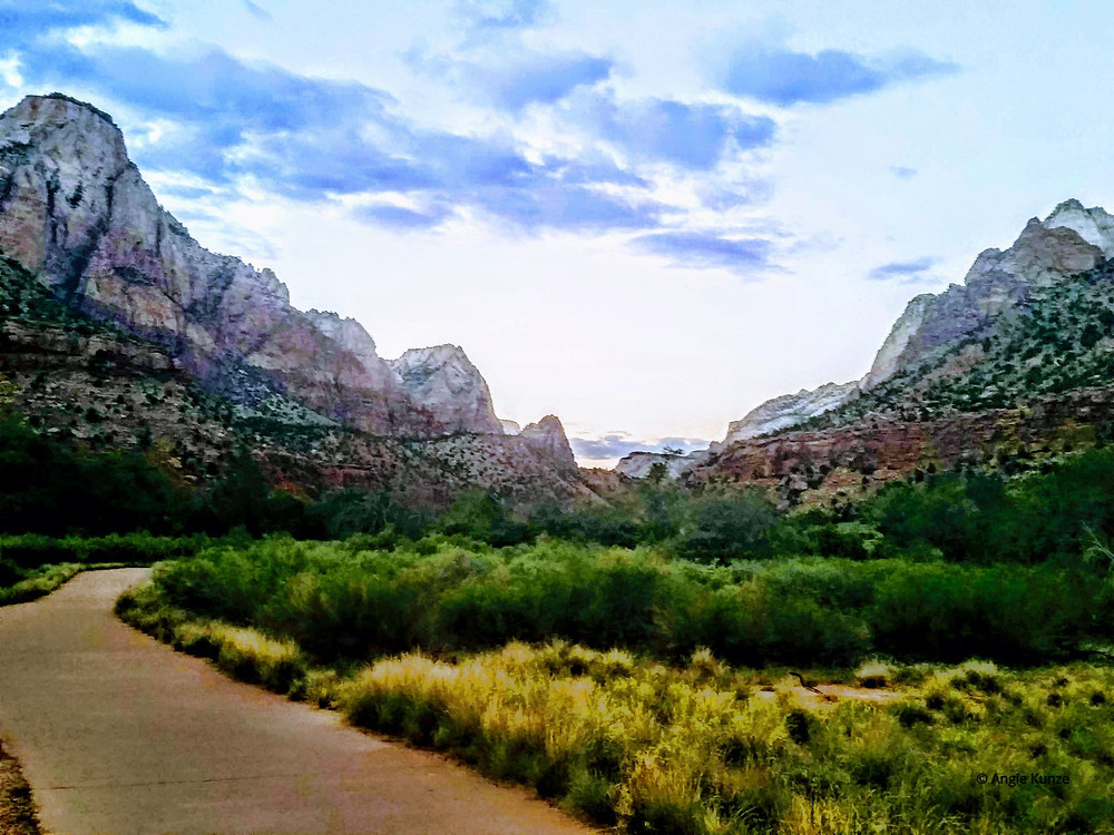 Pa 'rus hiking trail in Zion National Park