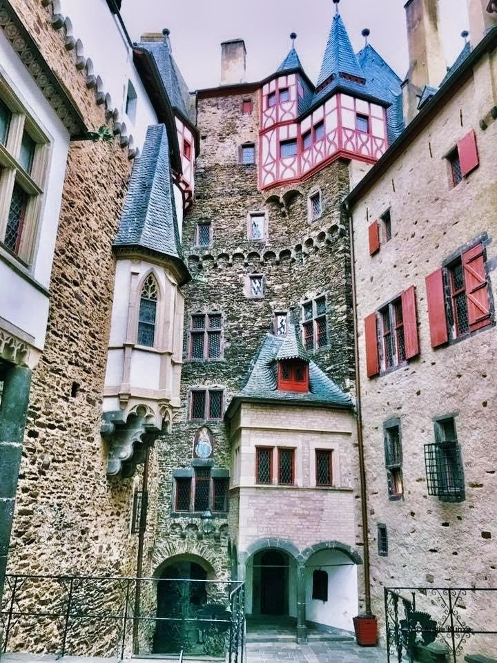 courtyard at berg eltz castle, eltz forest germany