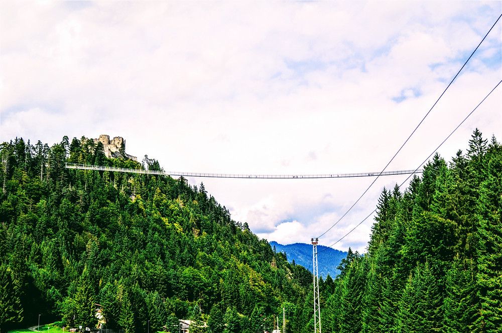 Highline 179 pedestrian suspension, the longest Tibetan style pedestrian suspension bridge in the world. Reutte Austria