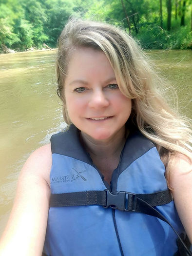 Angie Kunze blogger, owner/operater of Toto, We're Not in Kansas Anymore travel blog