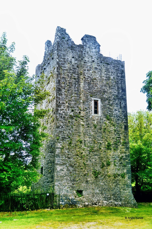 Rent your very own castle. Ballintotis, Ballintotas