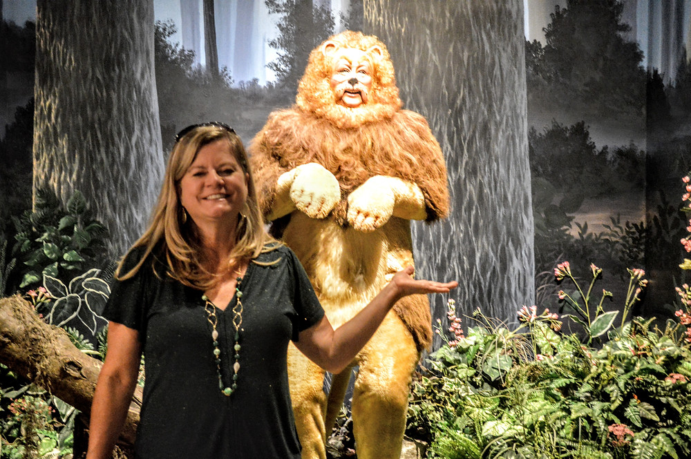 Angie Kunze, Travel Blogger, creative photographer, Toto, We're Not in Kansas Anymore.