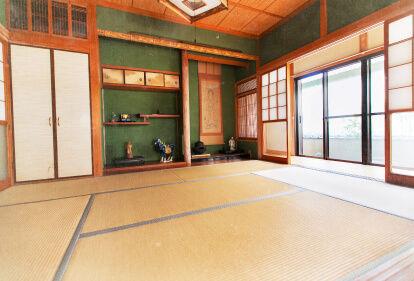 和歌山県田辺市中辺路のカフェボヌールの古民家民宿・ゲストハウス「日々樹」。熊野古道