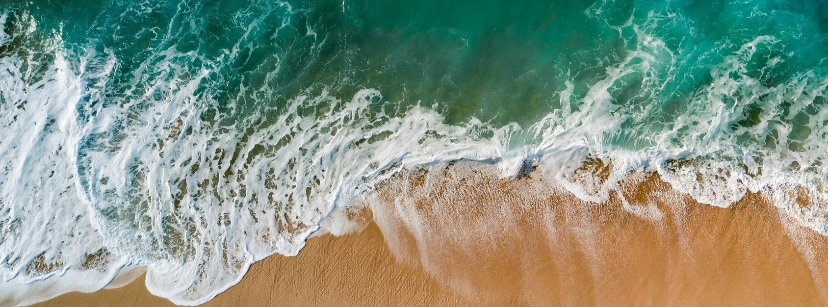 5304591-ocean-water-north-shore-drone-wa