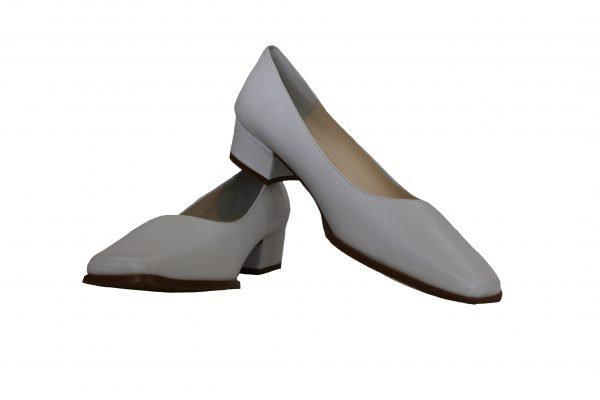 Ladies Leather Medium Heel Court Shoe