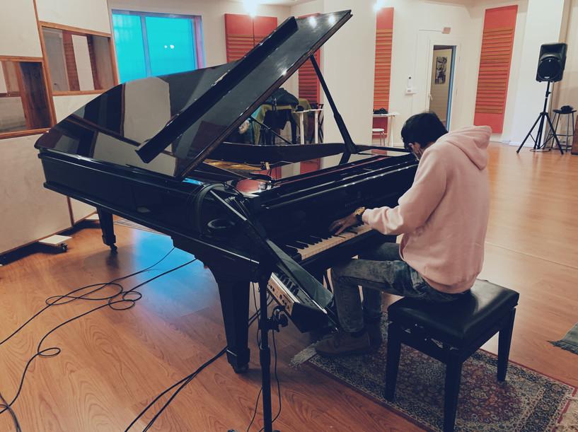 stefano-d'amico-italian-pianist-recording-studio-steinway-grand-piano