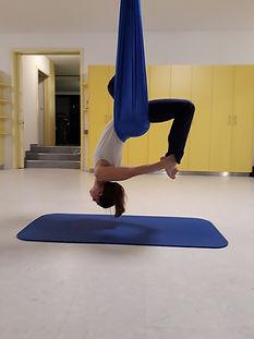 Aerial Yoga, Tuch Yoga