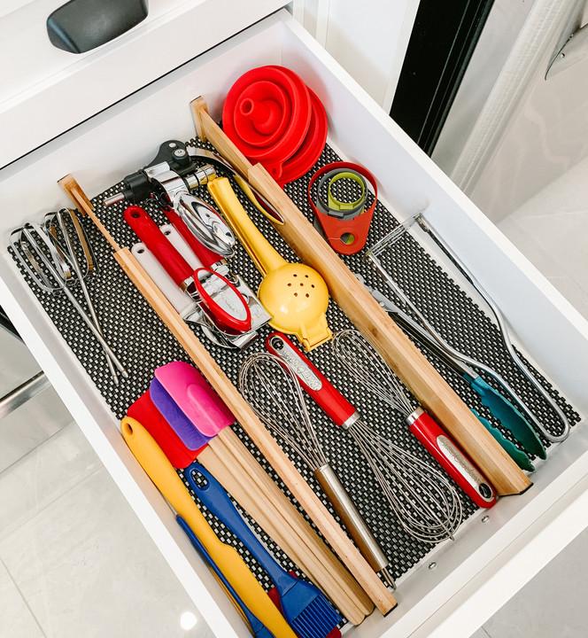 Un must pour organiser vos tiroirs : les diviseurs en bambou
