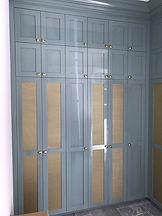 high-gloss-cabinet
