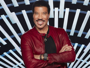 "Lionel Richie reveals ""massive depression"" after his father died"