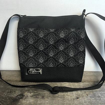 #501 Petit sac percé