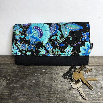 #901 Portefeuille fleurs bleues