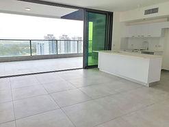 דירת 5 חד' חדשה + מרפסת ענקית