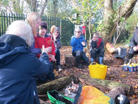 V Angliji otroška igrišča spreminjajo v gozd