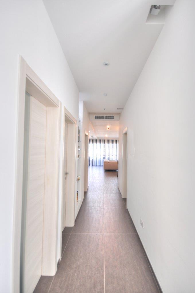 contemporary home interiors (8)