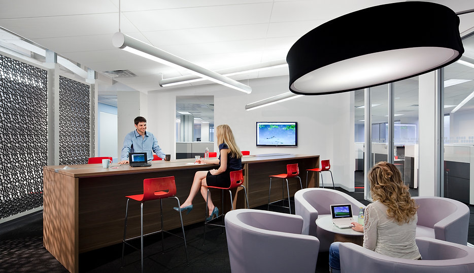 Micropact's casual meeting space is used for staff lunches and informal meetings. The space was design by Bill London Design Group. bldg Washington DC.
