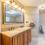Real Estate Photography - Bathrooms- 1.webp