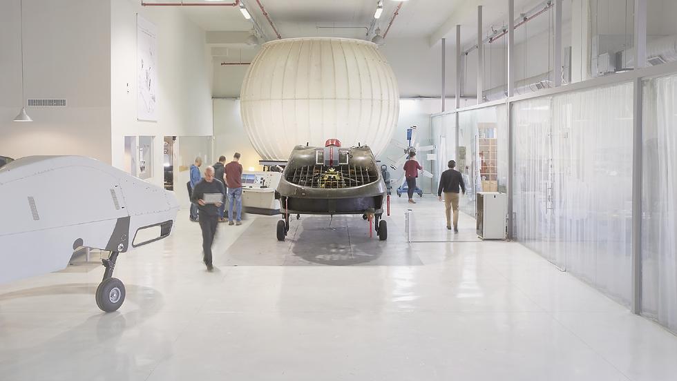 Urban Aeronautics' pilots and engineers designing the future vehicles for mass city transportation
