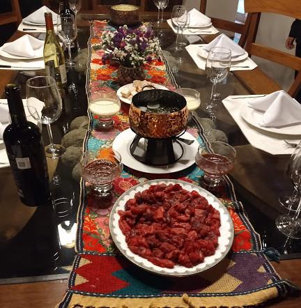 1 mesa con fondeau de carne.jpg