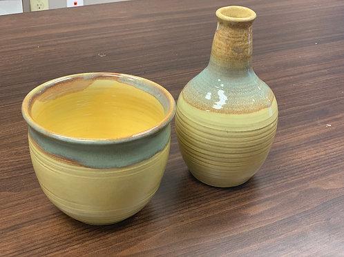 Lot 121 - vases