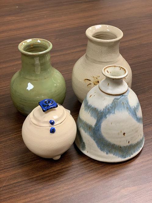 Lot 171 - Vases